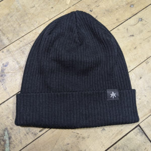 Essentials – Beanie – Black